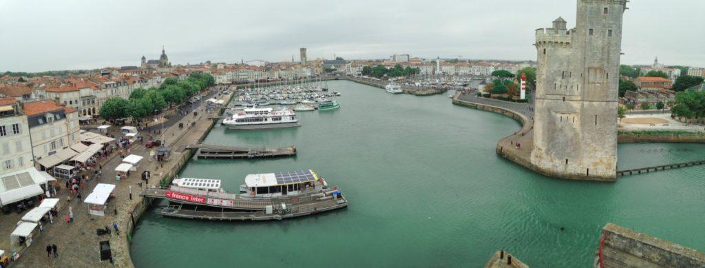 Vue Tour de la Chaine sur le vieux port panoramique les p'tits touristes blog voyage
