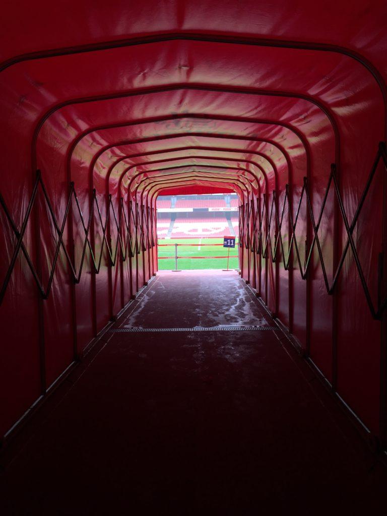 Emirates Stadium Arsenal football tunnel des joueurs London Londres blog voyage les p'tits touristes