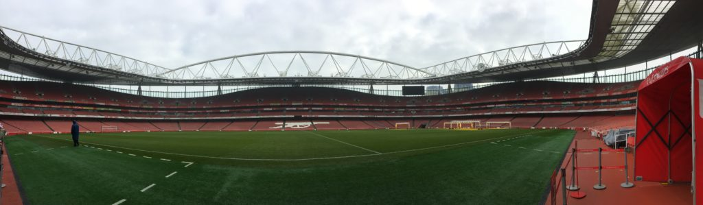 Emirates Stadium Arsenal football pelouse stade London Londres blog voyage les p'tits touristes