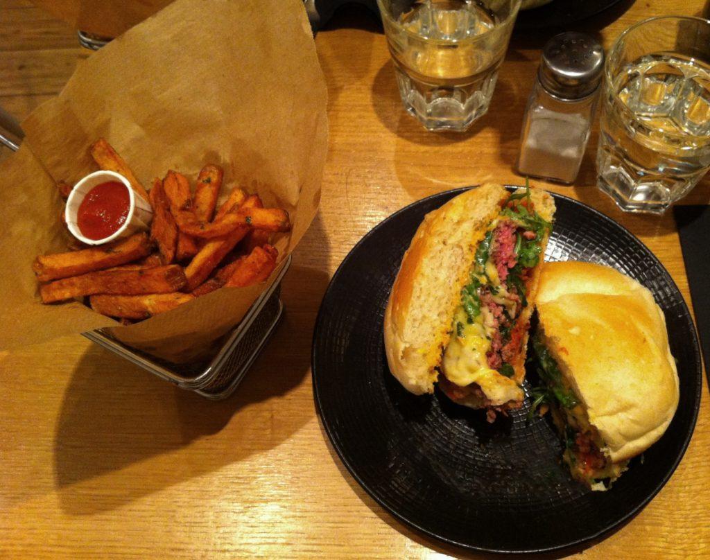 Où manger à Bordeaux blog voyage les p'tits touristes Edmond Burger