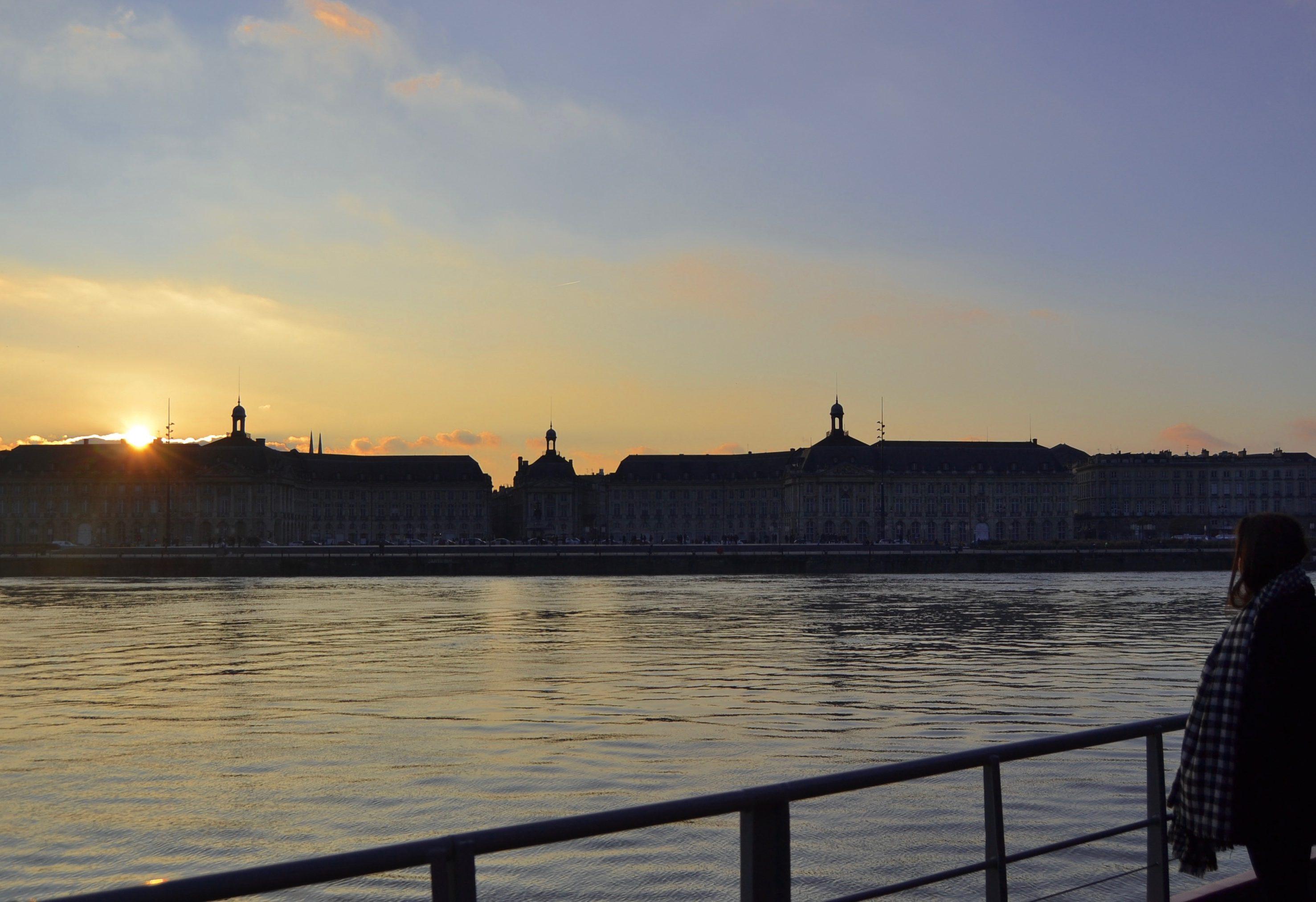 Une croisière sur la Garonne avec Bordeaux River Cruise La cité du vin Bordeaux River Cruise dégustation de vin sur la Garonne quoi faire à Bordeaux à faire à Bordeaux blog voyage les p'tits touristes