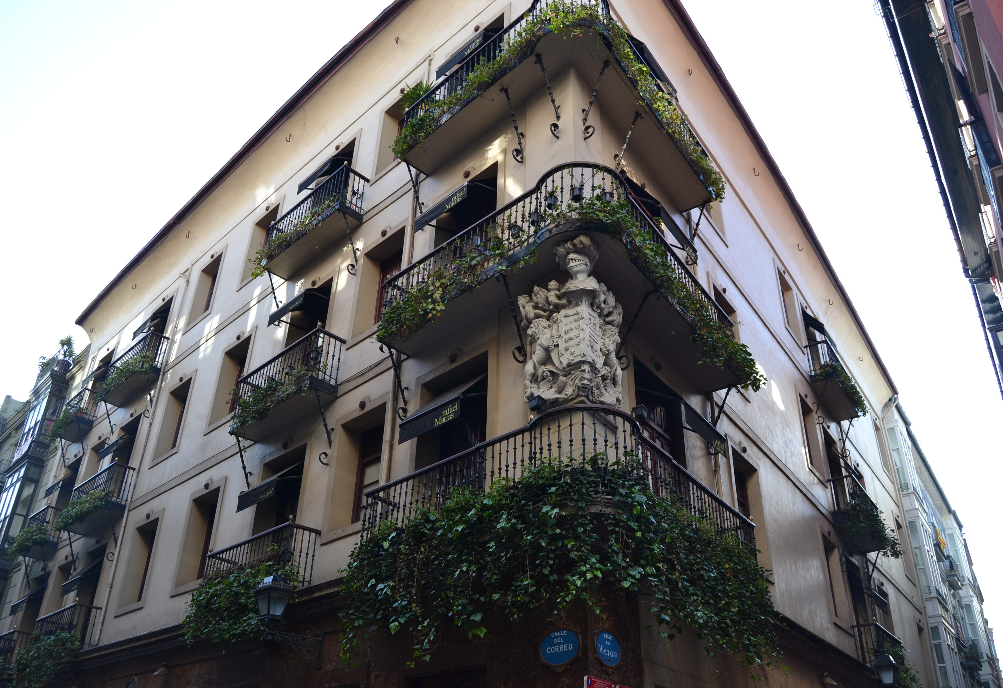 Quoi faire à Bilbao en 3 jours - Bilbao Casco Viejo Biscaye lieux instagram quoi voir à Bilbao quoi faire à Bilbao quoi faire 3 jours à Bilbao blog voyage les p'tits touristes