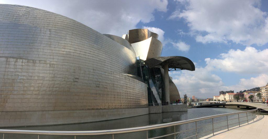 Quoi faire à Bilbao en 3 jours - Museo Guggenheim Bilbao Musée Guggenheim Bilbao quoi voir à Bilbao quoi faire à Bilbao Bilbao en 3 jours blog voyage les p'tits touristes (5)