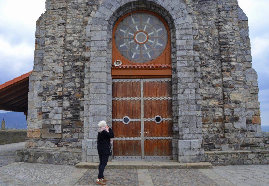 Gaztelugatxe San Juan de Gaztelugatxe Bilbao quoi faire aux alentours de Bilbao Ermitage de San Juan de Gaztelugatxe visite Gaztelugatxe blog voyage les p'tits touristes