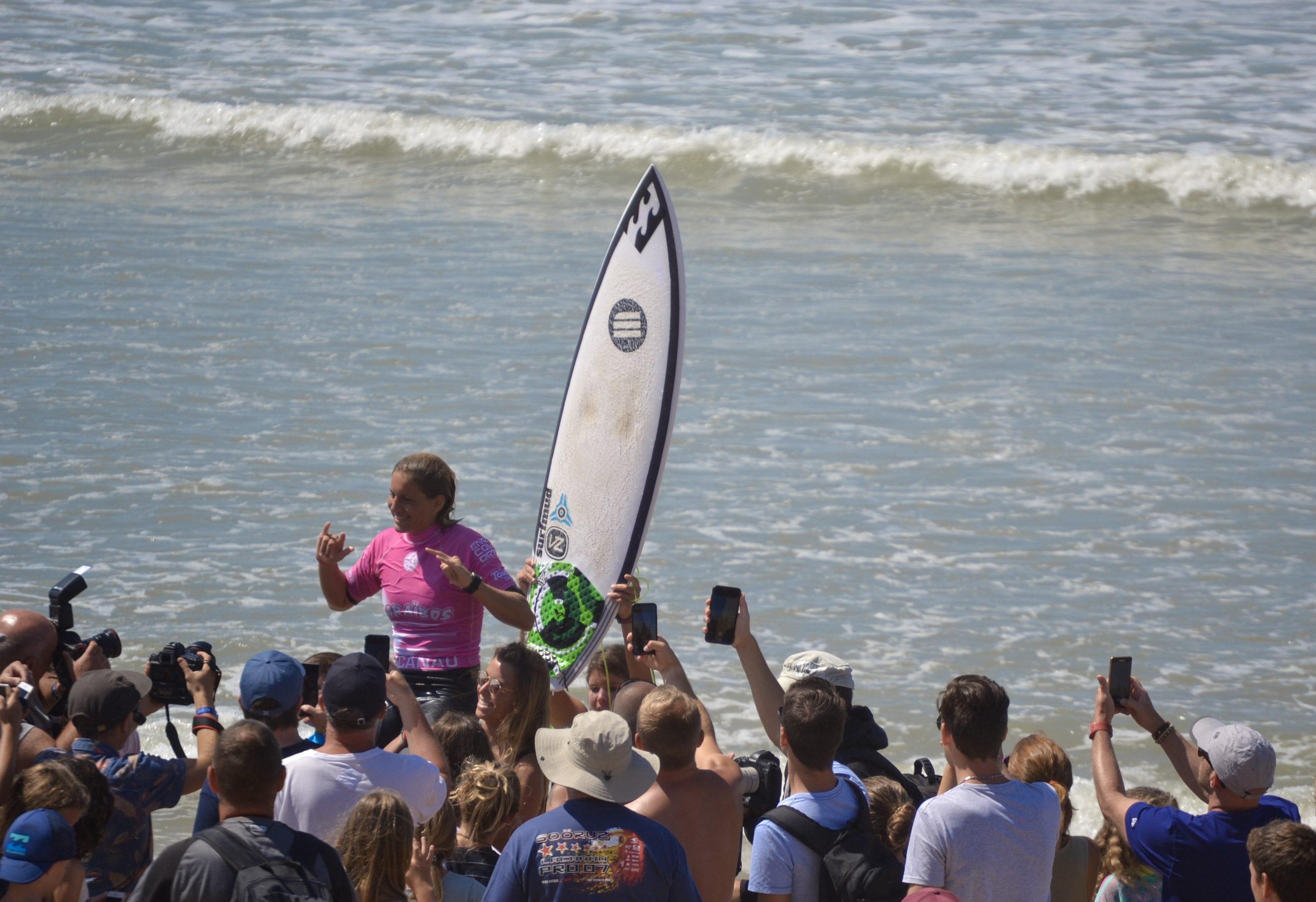 caraibos-lacanau-pro-surf-blog-voyage-les-ptits-touristes-wsl-kelly-zahli