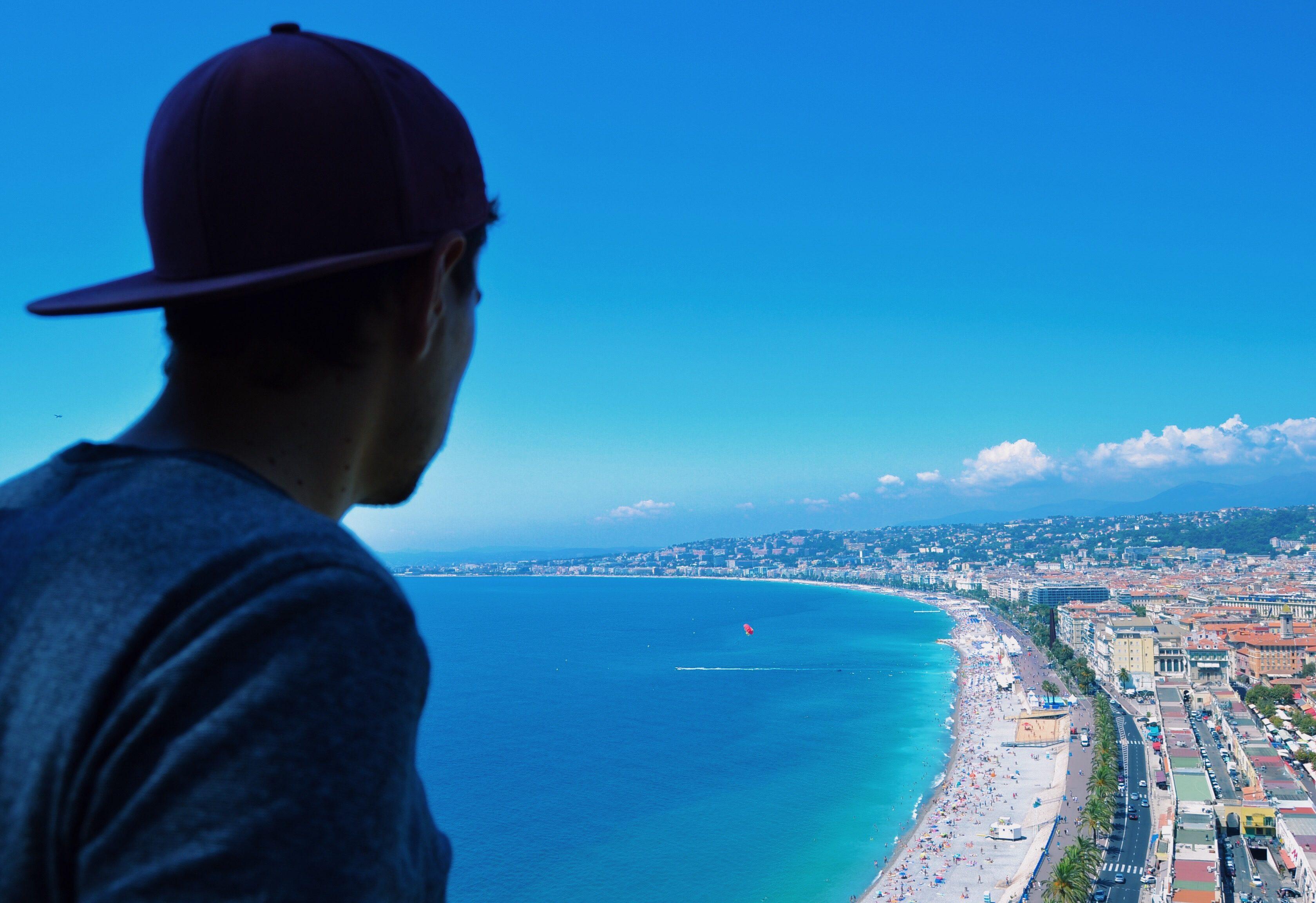colline-du-chateau-baie-des-anges-une-semaine-a-nice-blog-voyage-les-ptits-touristes-2
