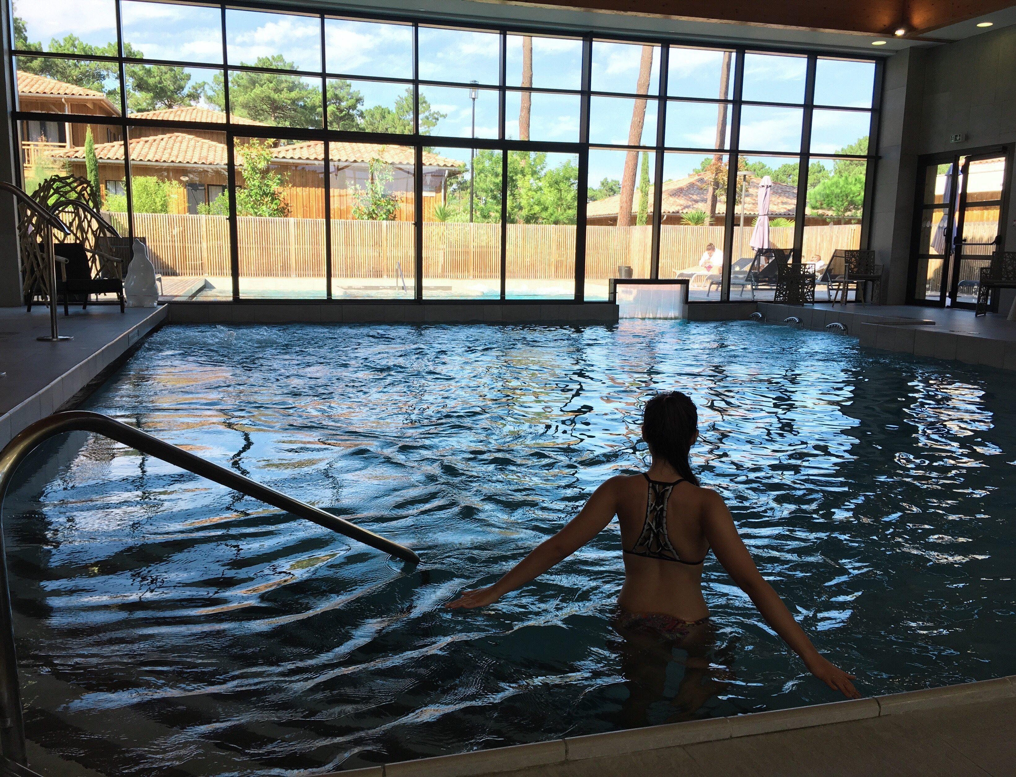 domaine-du-ferret-balneo-spa-week-end-detente-au-domaine-du-ferret-piscine-interieure-hammam-piscine-lodge-domaine-du-ferret-claouey-piscine-exterieure-les-ptits-touristes-blog-voyage