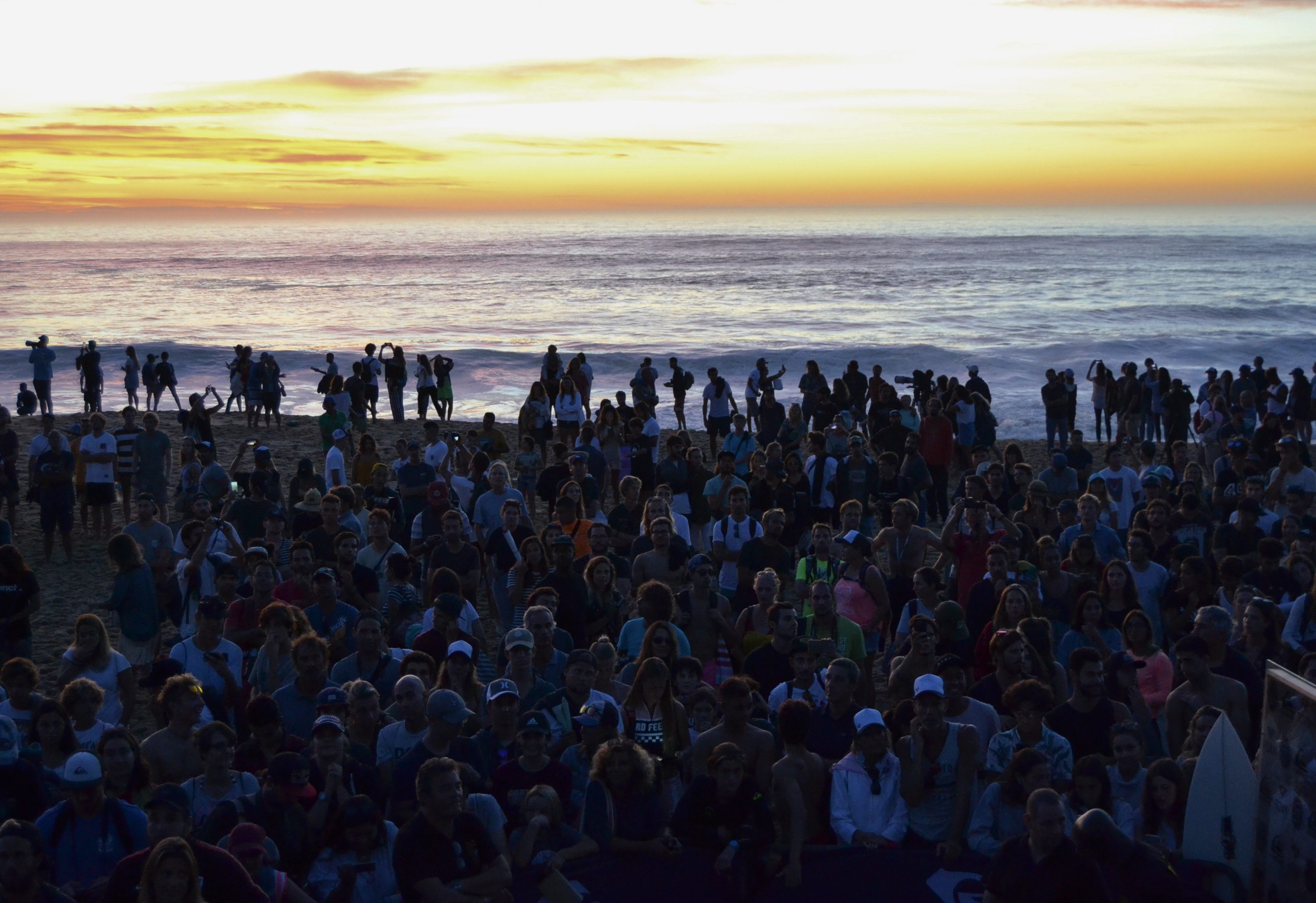 quiksilver-pro-france-roxy-pro-france-surf-quik-pro-roxy-pro-hossegor-culs-nuls-sunset-coucher-de-soleil-landes-wsl-vagues-world-surf-league-les-ptits-touristes-blog-voyage