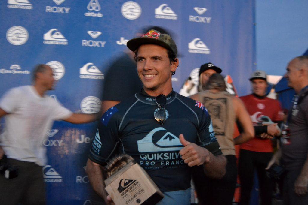 quiksilver-pro-france-roxy-pro-france-surf-quik-pro-roxy-pro-julian-wilson-winner-vainqueur-hossegor-culs-nuls-landes-wsl-vagues-world-surf-league-les-ptits-touristes-blog-voyage (19)