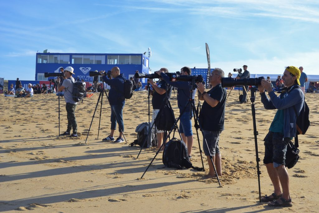 quiksilver-pro-france-roxy-pro-france-surf-quik-pro-roxy-pro-photographes-medias-presse-hossegor-culs-nuls-landes-wsl-vagues-world-surf-league-les-ptits-touristes-blog-voyage